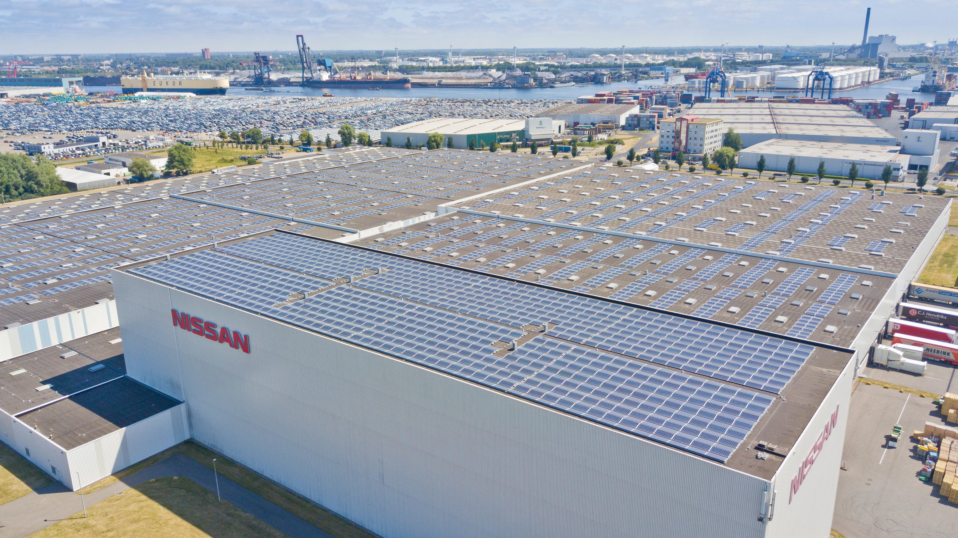 Nissan lülitab sisse Hollandi suurima kollektiivse päikesepaneelkatuse