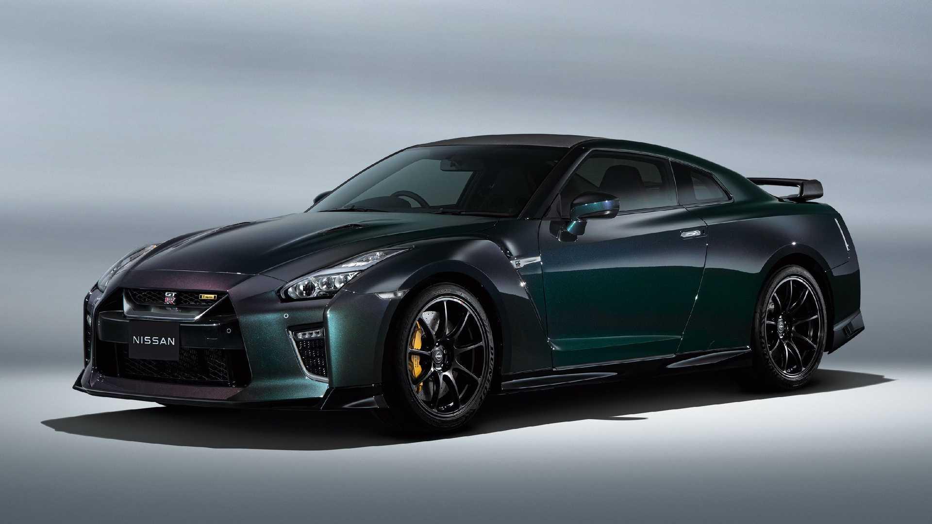 Nissan avalikustas kaks GT-R-i erimudelit